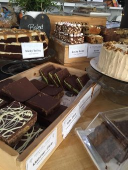 new-cake-display
